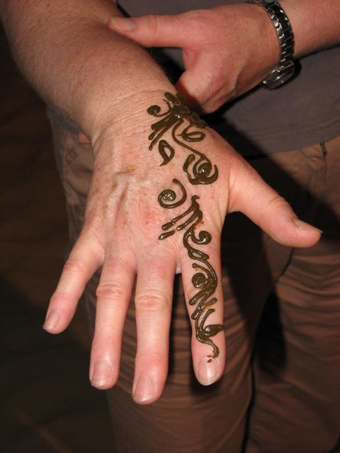 051 Henna tattoo